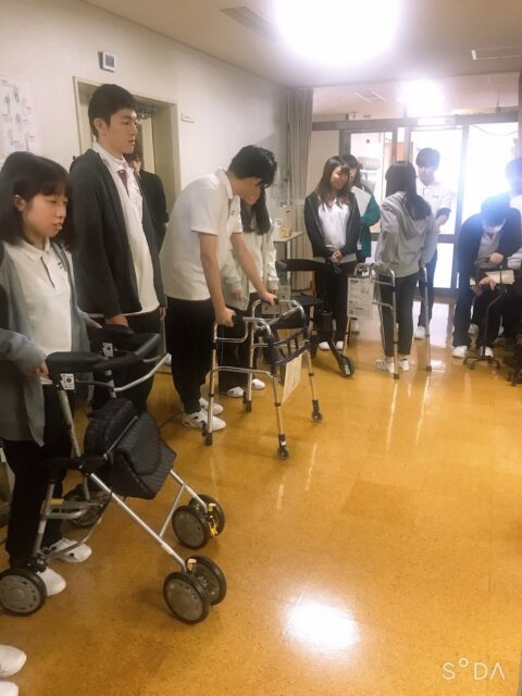 岐阜県介護研修センターにて福祉用具について学びました